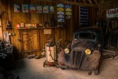 light-car-display-shop