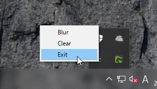 システムトレイのTranslucentTBアイコンを右クリックしてExitを選択